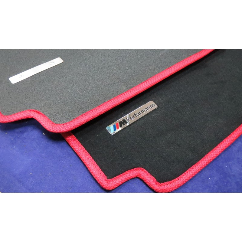EXCLUSIVE HANDMADE LOGO IN THE CAR MAT FOR BMW